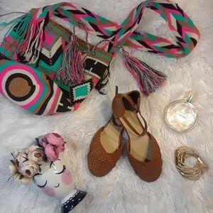 Elegant and Cute Women Flat Sandal